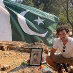 sulla tomba di Aitzaz Hassan